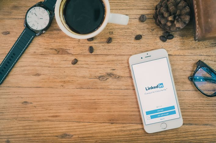 LinkedIn Connections – Who do They Belong to?